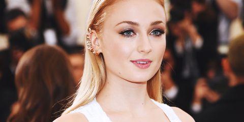 Hair, Face, Eyebrow, Lip, Hairstyle, Blond, Skin, Beauty, Chin, Eye,