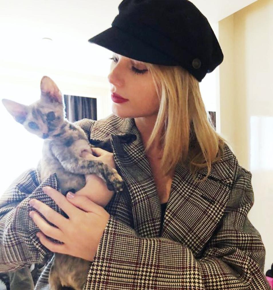 La felicitación de Lena Dunham a Taylor Swift por sus treinta es lo mejor que vas a ver hoy