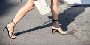 elle tendencias sandalias cruzadas verano