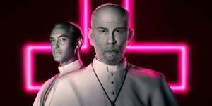 Jude Law John Malkovich The New Pope serie HBO elle.es