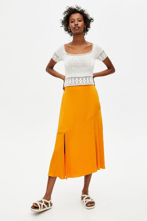 1c1138a8e El top blanco de crochet de Pull&Bear que mejora tus looks básicos