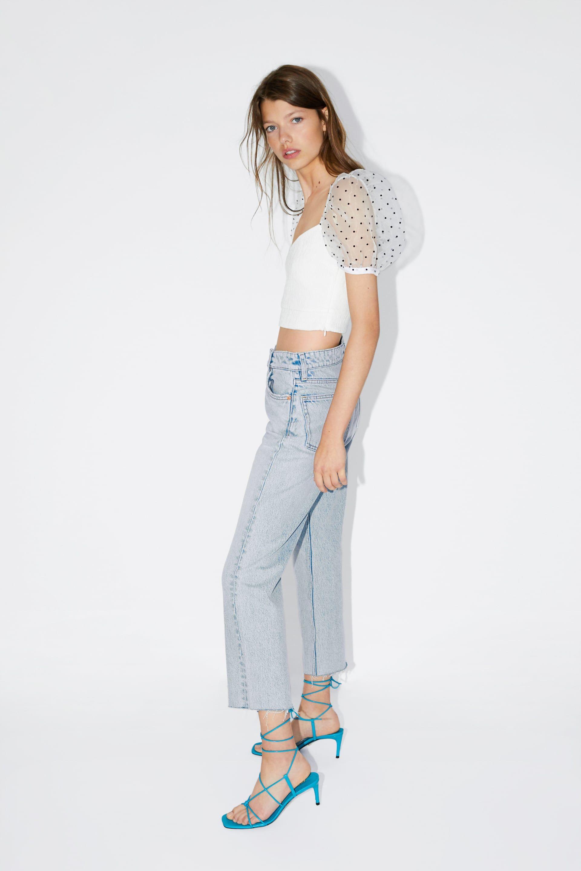 El top blanco con mangas de Zara es lo mejor de nueva colección