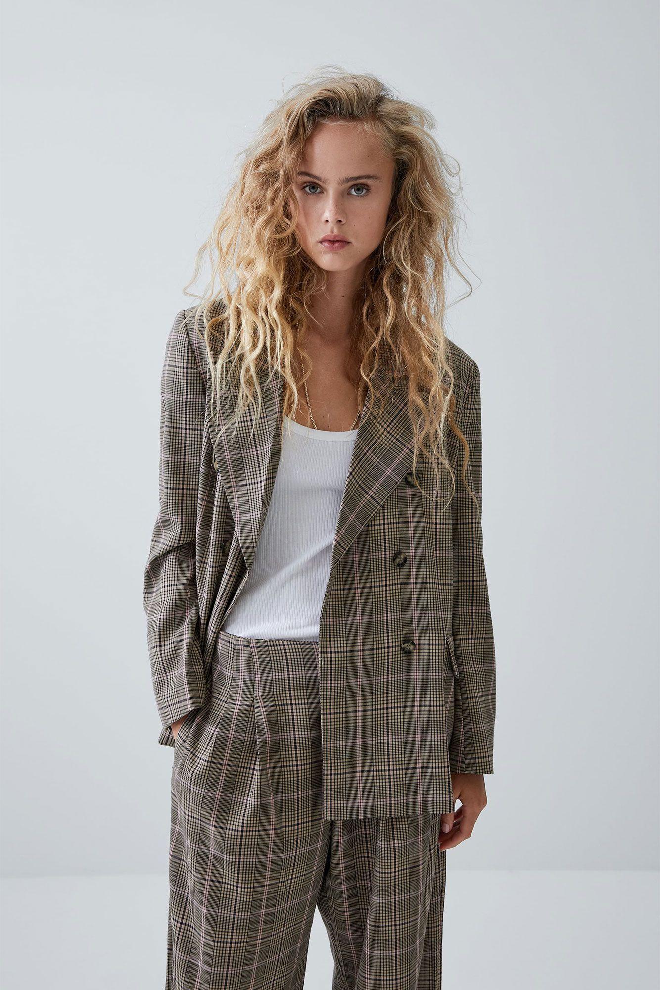 especial para zapato profesional elige lo último Este traje oversize de cuadros de Zara será lo más este otoño