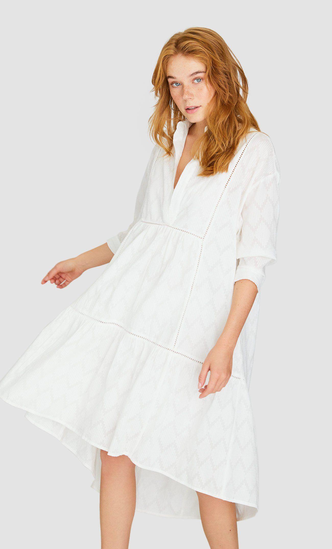 en venta los más valorados vista previa de El vestido blanco asimétrico de las estilistas en Stradivarius
