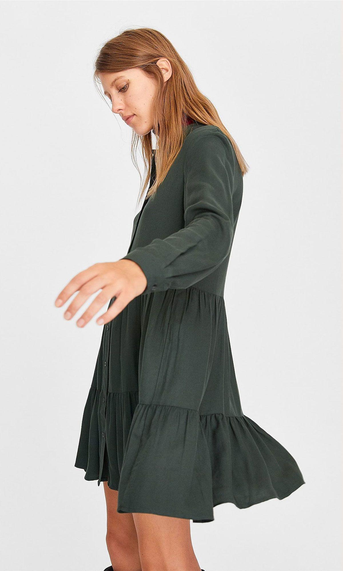 mejor proveedor seleccione para el más nuevo amplia selección de colores y diseños Dicen en Stradivarius con este vestido corto tienes EL LOOK