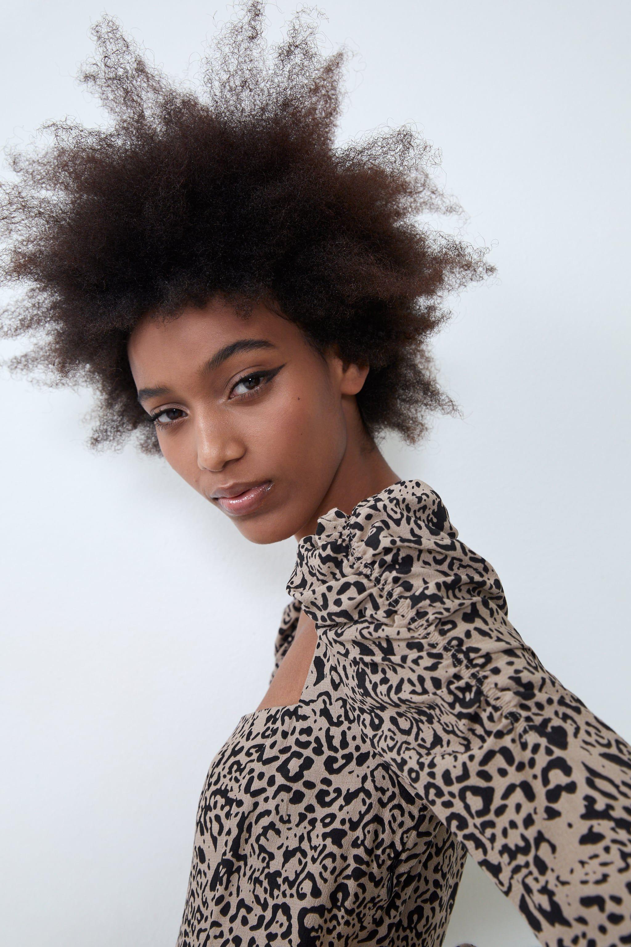 El primer vestido midi largo de tendencia 2020 llega a Zara