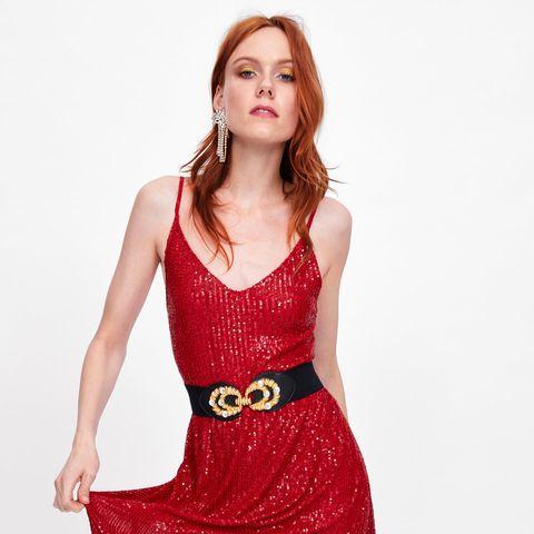 55ef956b14 Este vestido de lentejuelas de Zara es una versión de su falda viral