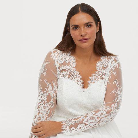 ec18a8e94 Este vestido de novia de H M es ideal si tienes una talla grande y ...