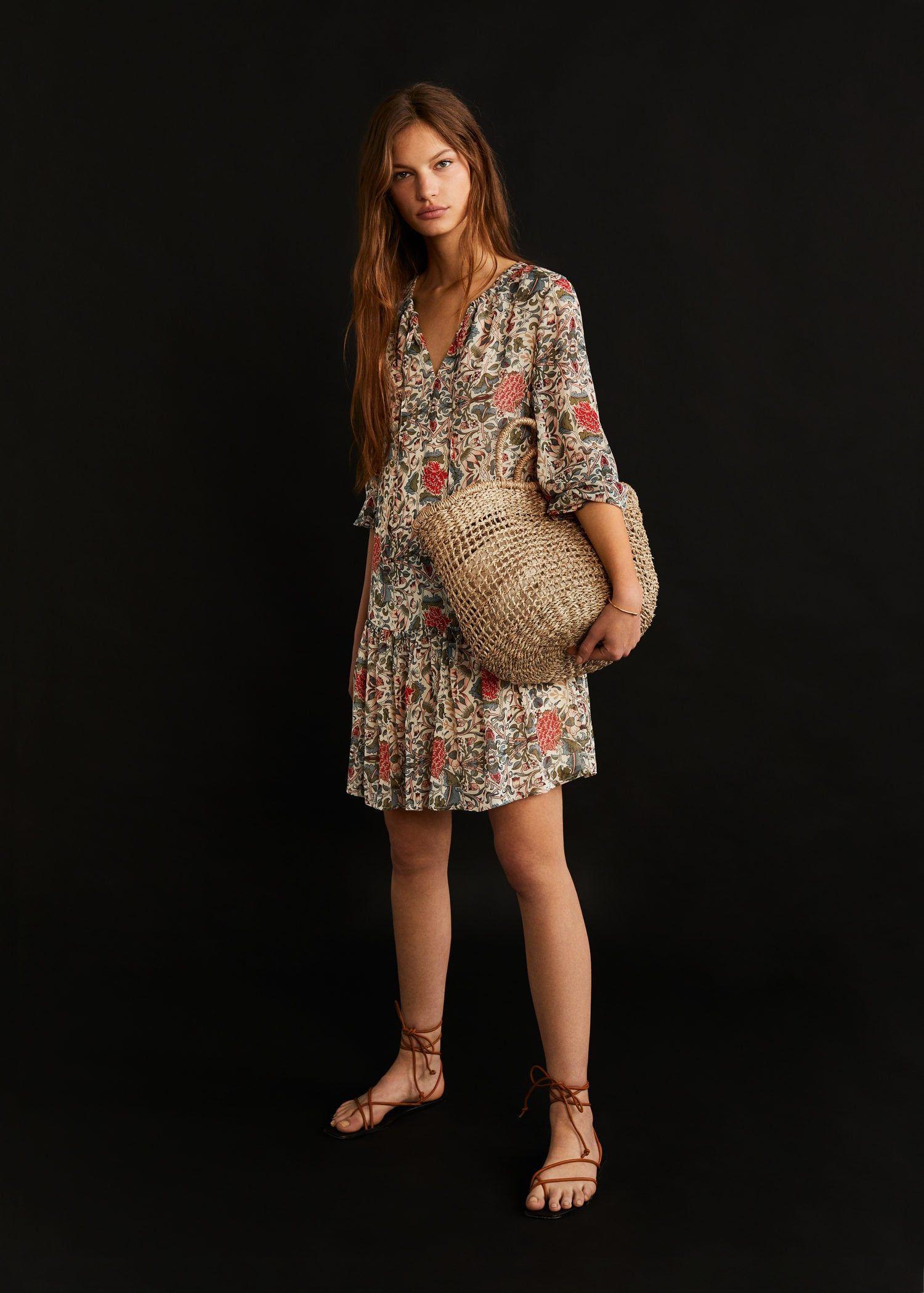 Los vestidos de flores 'low' que le faltan a tu armario