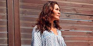 Vicky Martín Berrocal vestido fluido largo Zara hija Alba Díaz