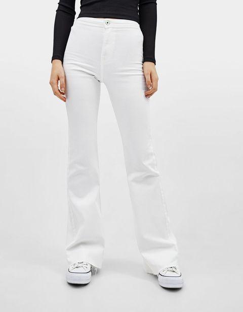 Victoria Federica Con Pantalones Blancos Campana Que Tienes En Bershka