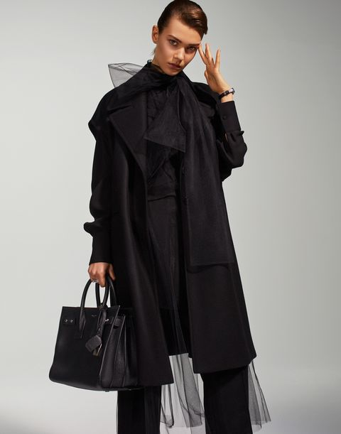Clothing, Overcoat, Coat, Outerwear, Trench coat, Fashion model, Duster, Sleeve, Fashion, Shoulder,
