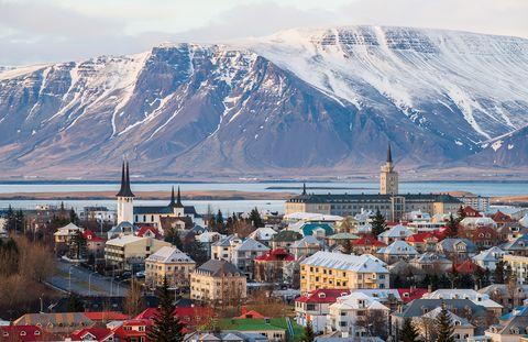 Reykjavik, capital de Islandia, al final de la estación de invierno elle.es