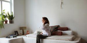 ELLE huisstijl, huisstijl Edine Russel, huis Edine Russel, mediterraan huis, Grieks bank, Grieks interieur