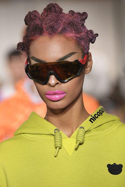 Eyewear, Hair, Face, Sunglasses, Glasses, Hairstyle, Cool, Fashion, Eyebrow, Yellow,