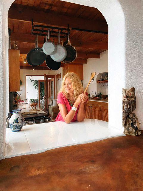 joyce maynard photographed in her kitchen