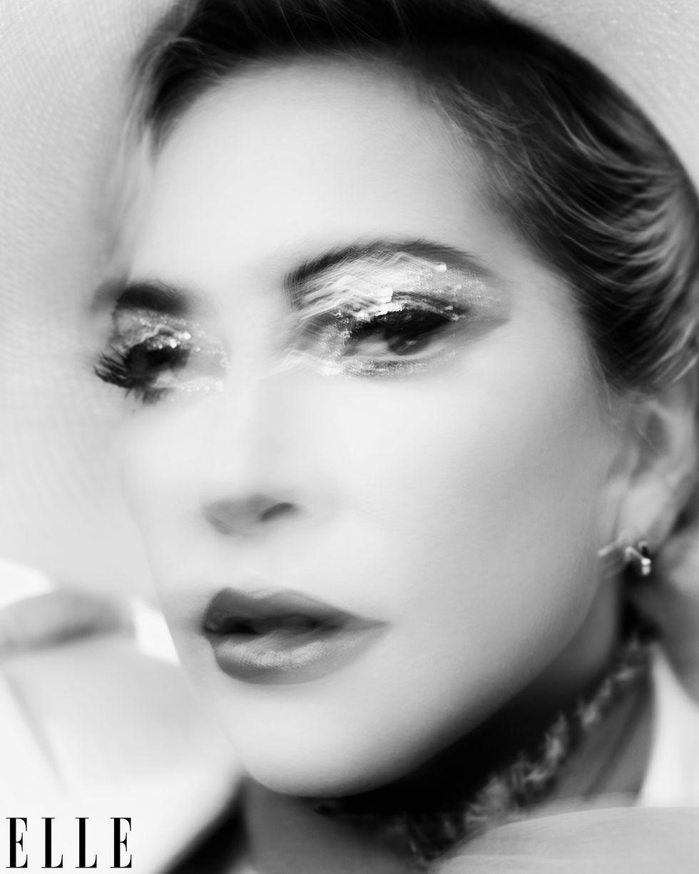 4 - Lady Gaga - Σελίδα 50 Elm120119wlgaga0013-logo-1572882122