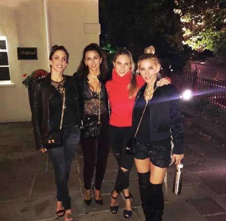 Elsa Pataky de fiesta en Londres con unas amigas
