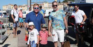Elton John con sus hijos
