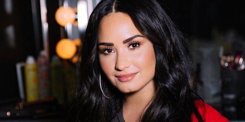Hair, Face, Eyebrow, Lip, Black hair, Hairstyle, Beauty, Nose, Cheek, Skin,