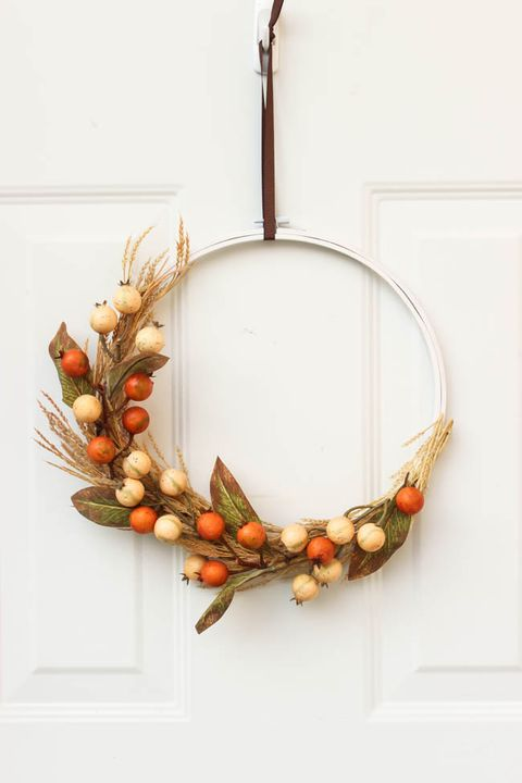 autumn embroidery hoop wreath