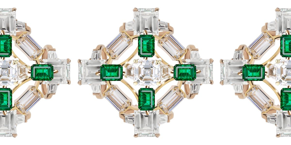 29 Emerald Cut Engagement Rings To