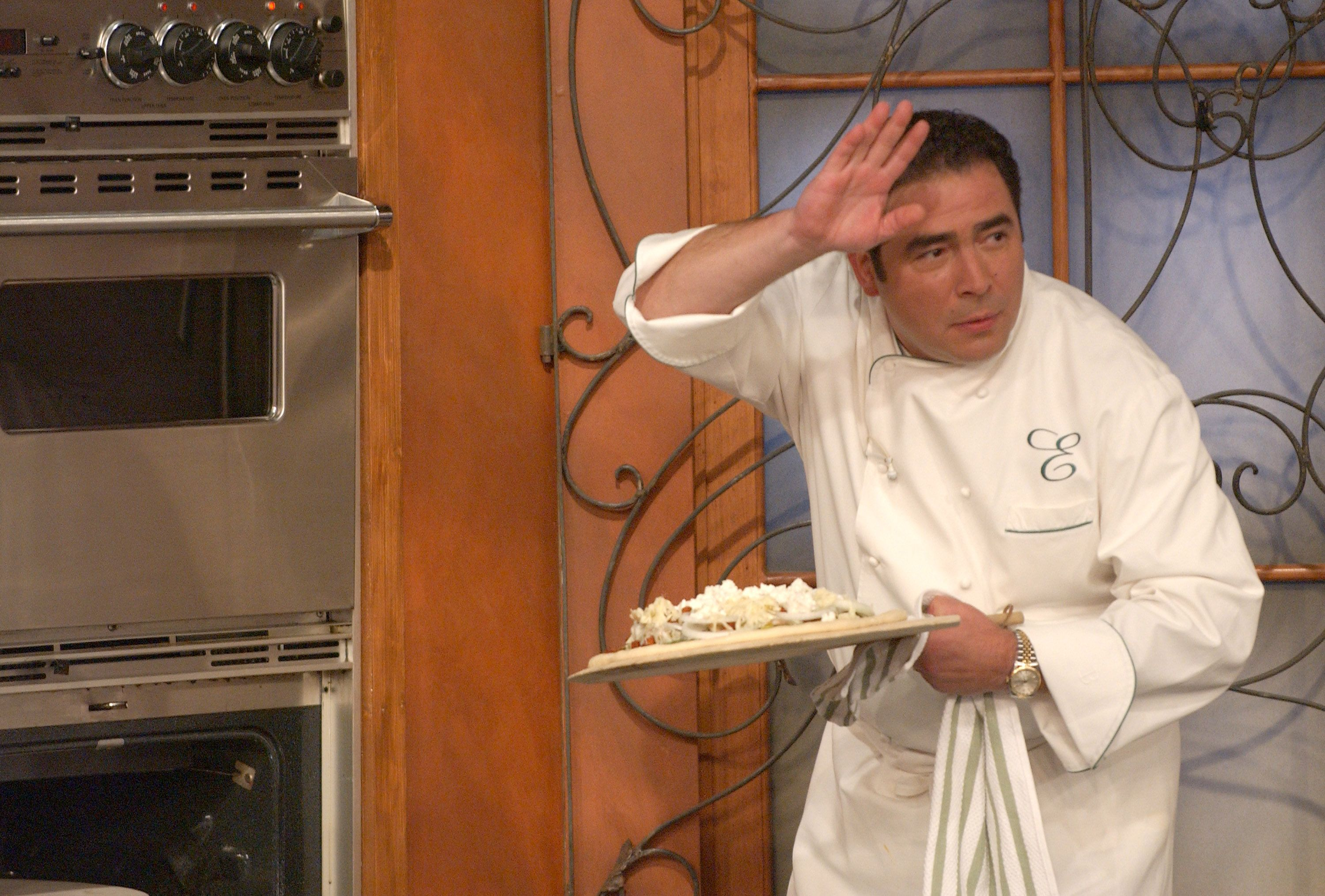 9 Cancelled Food Network Shows You Forgot You Loved