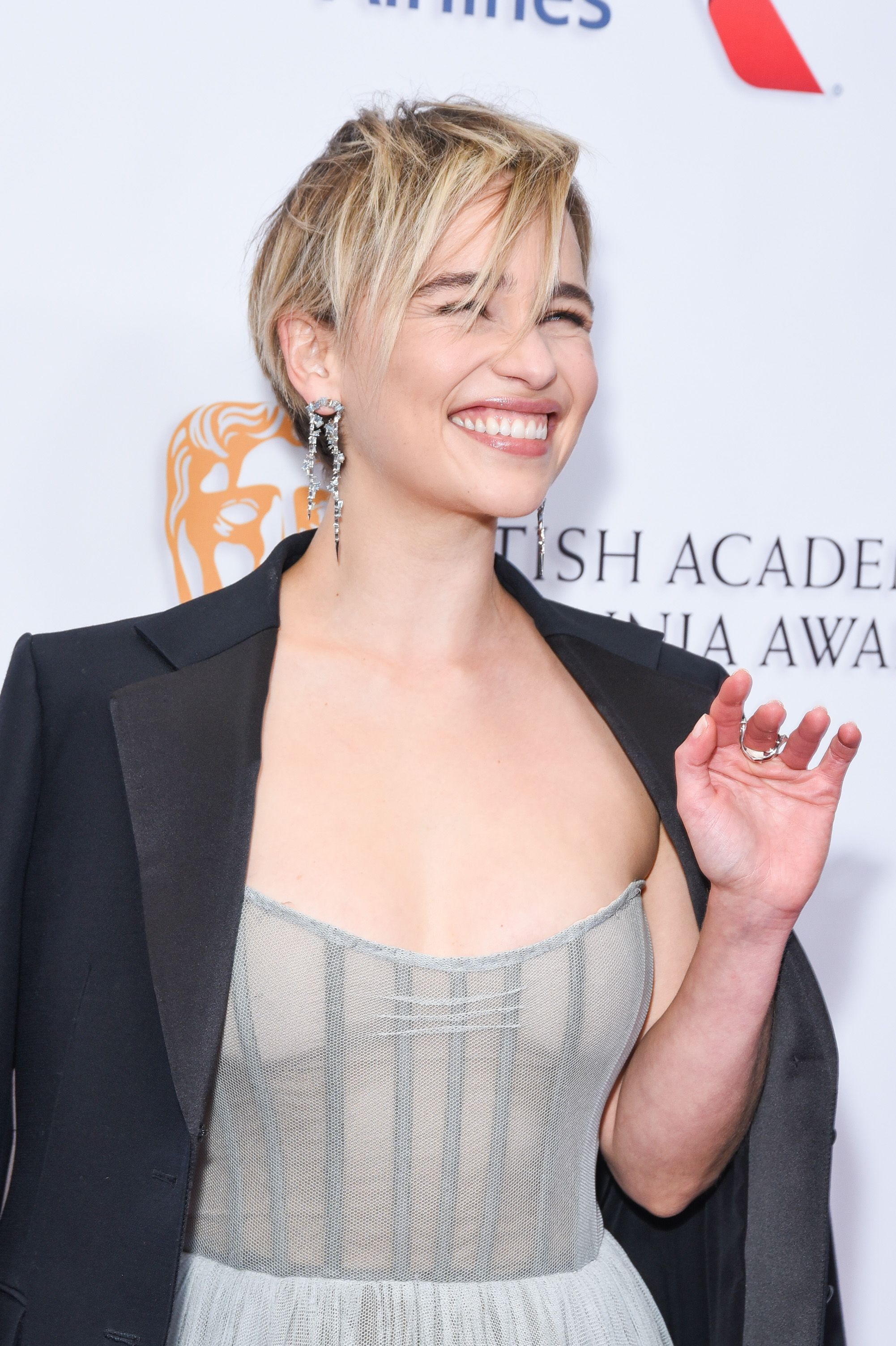 Short Celebrity Hairstyles Emilia Clarke