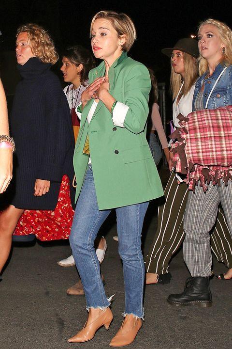 Emilia Clarke S New Pixie Haircut Makes Her Look Unrecognizable