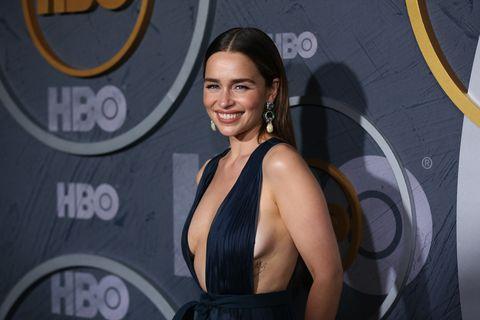 El nuevo perro de Emilia Clarke.HBO's Post Emmy Awards Reception - Arrivals