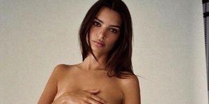Emily Ratajkowski goes naked to protest abortion ban