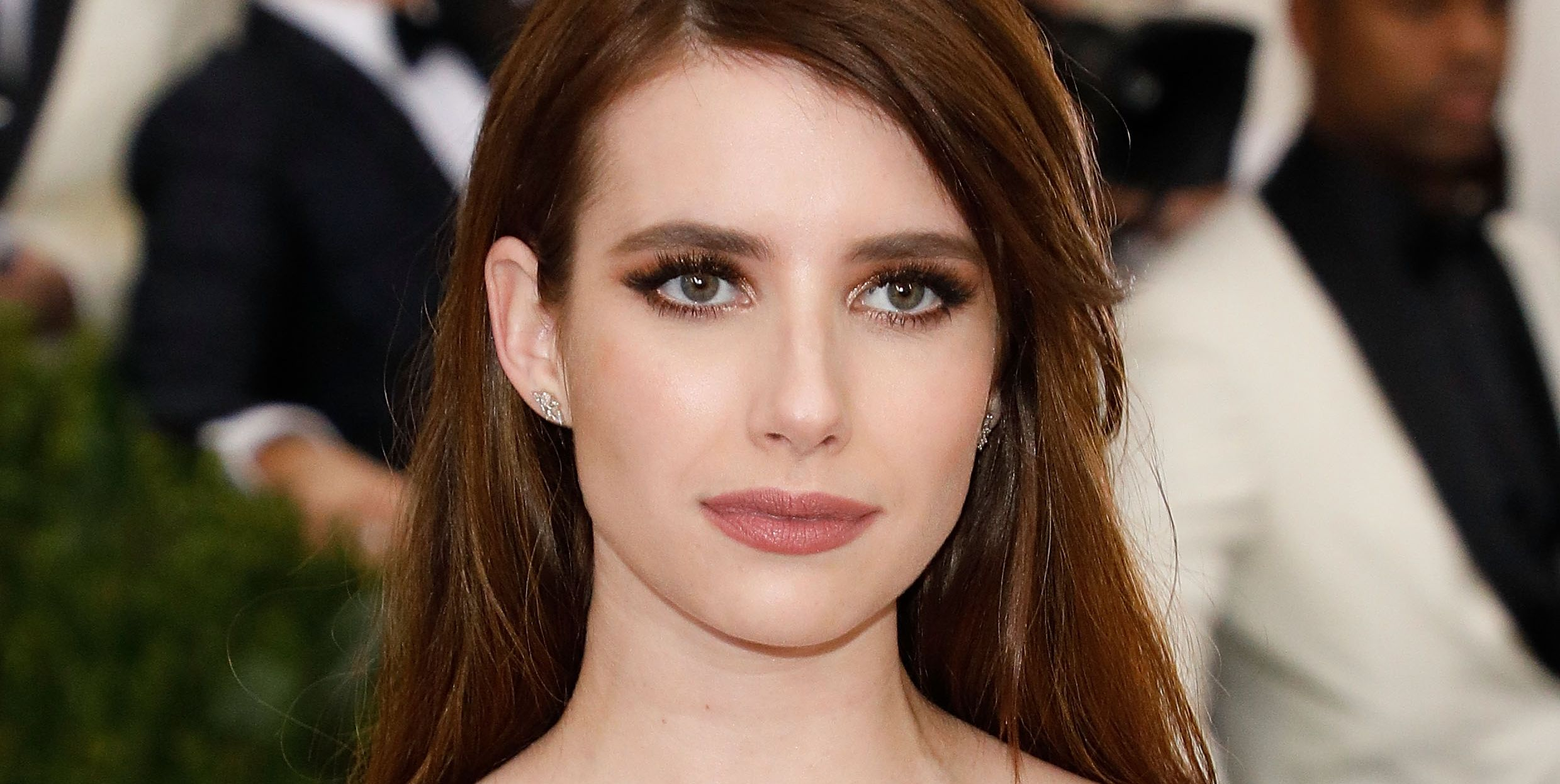 "The First Picture of Emma Roberts on ""American Horror Story: Cult"" Is Killer"