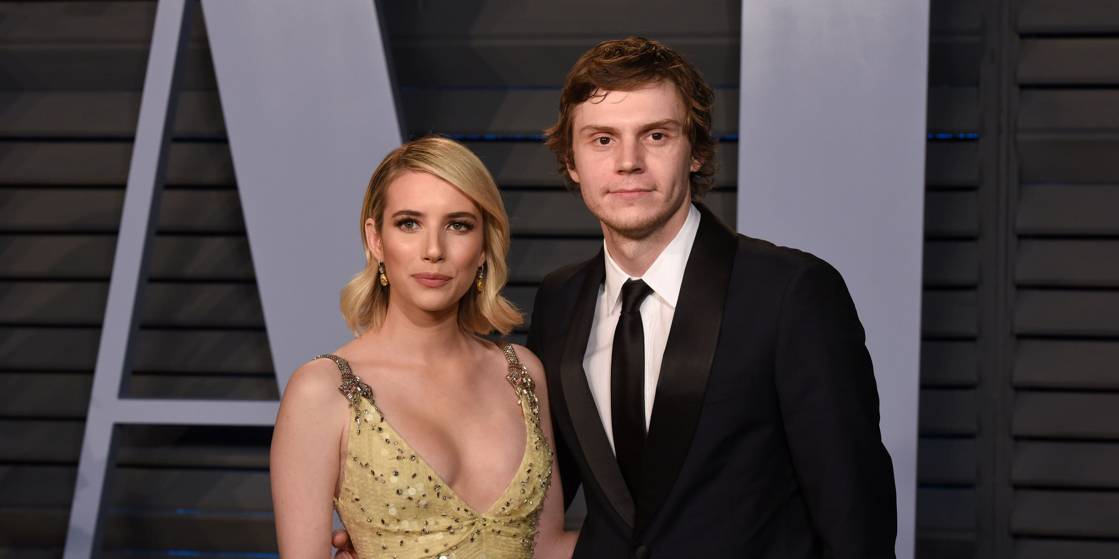 Emma Roberts en Evan Peters
