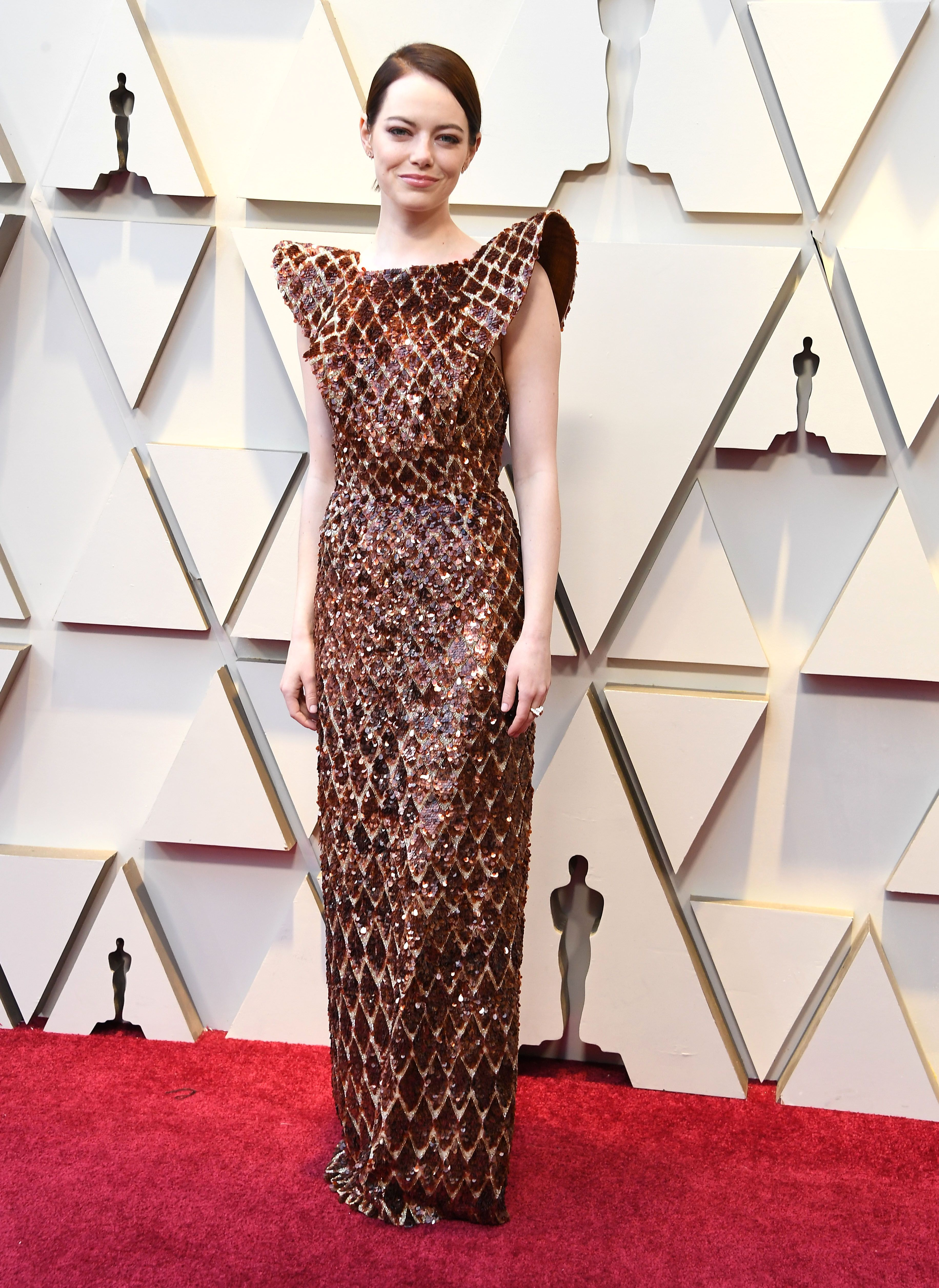 f82fb391f Twitter Thinks Emma Stone's Oscars Dress Looks Like A Waffle Cone, And We  Can't Unsee It