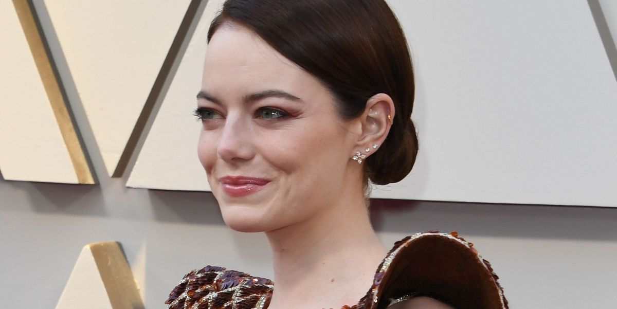 cf270880af Emma Stone's 2019 Oscar Dress Looks Like a Honey Comb - 'The Favourite'  Actress' Red Carpet Outfit
