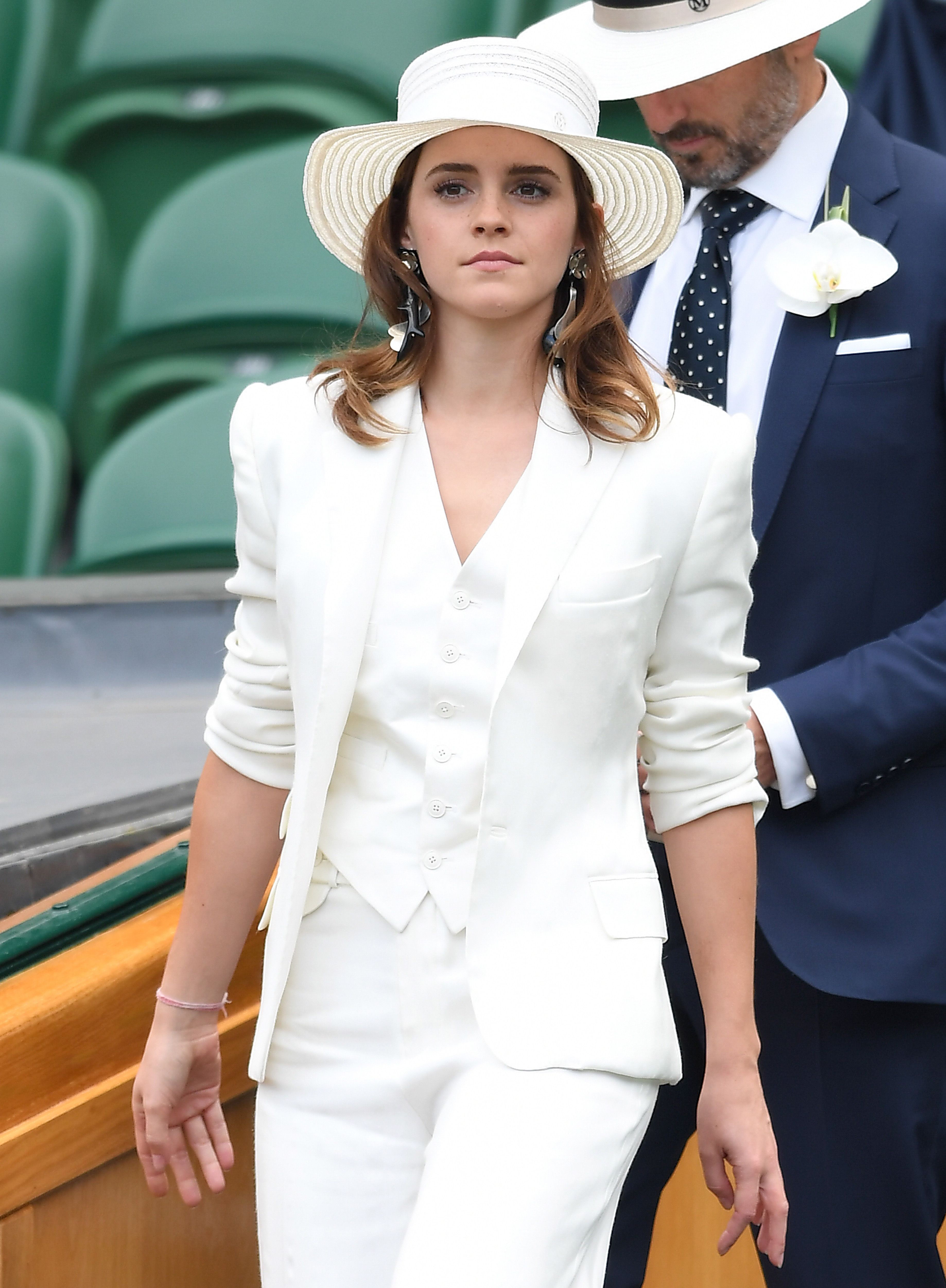 2019 Emma Watson nude (15 foto and video), Topless, Fappening, Twitter, bra 2019