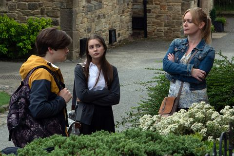 Sarah Sugden is in trouble with Vanessa Woodfield in Emmerdale