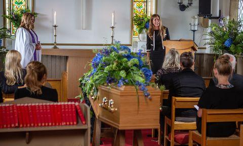 Megan Macey breaks down at Frank Clayton's funeral in Emmerdale