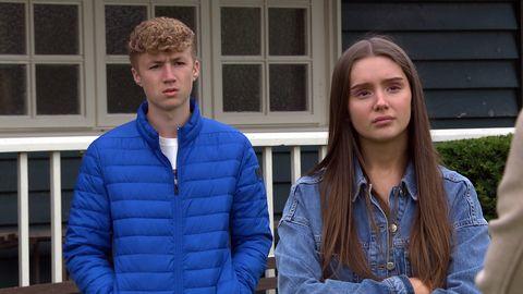 noah dingle and sarah sugden in emmerdale