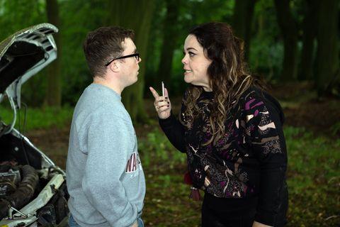 Vinny and Mandy Dingle run away in Emmerdale