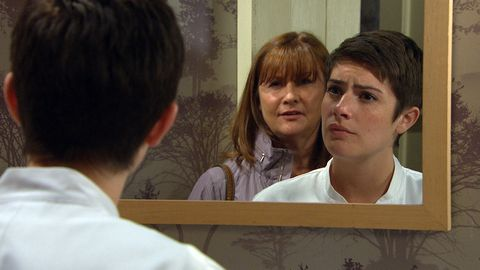 Wendy confronts Victoria Barton in Emmerdale