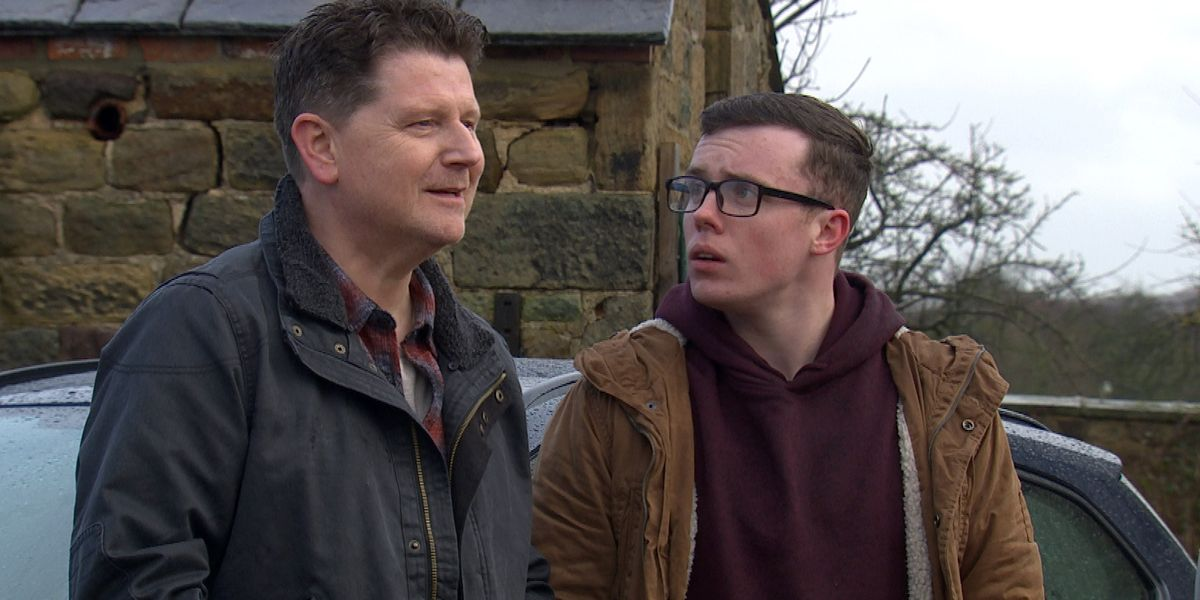 Emmerdale star Reece Dinsdale explains Vinny's discovery that Paul is gambling again