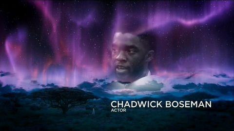 chadwick boseman en el in memoriam de los emmys