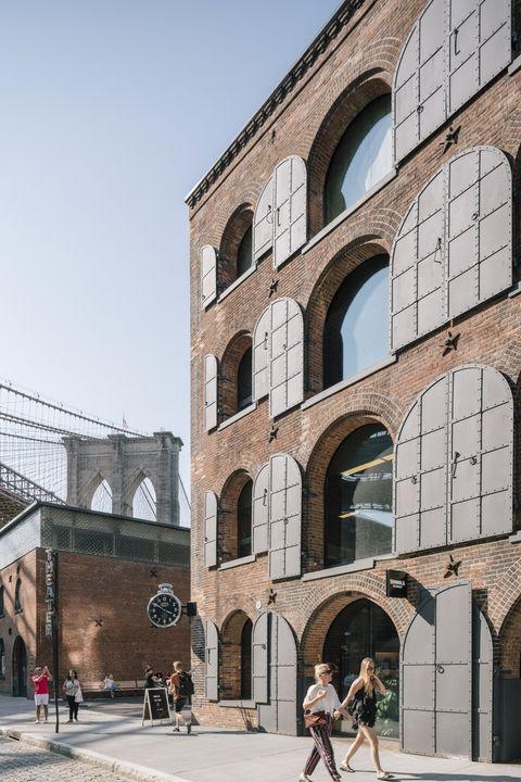 Oficinas, galerías de exposición y ocio en el nuevo Empire Sores de Brooklyn