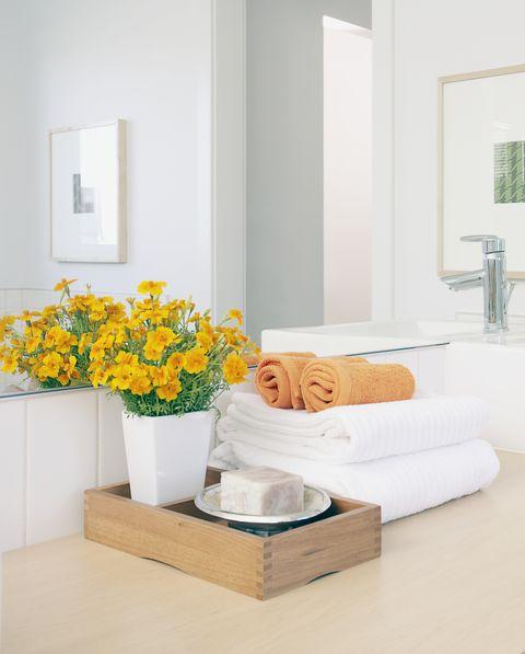 Mueble de lavamanos con bandeja de madera