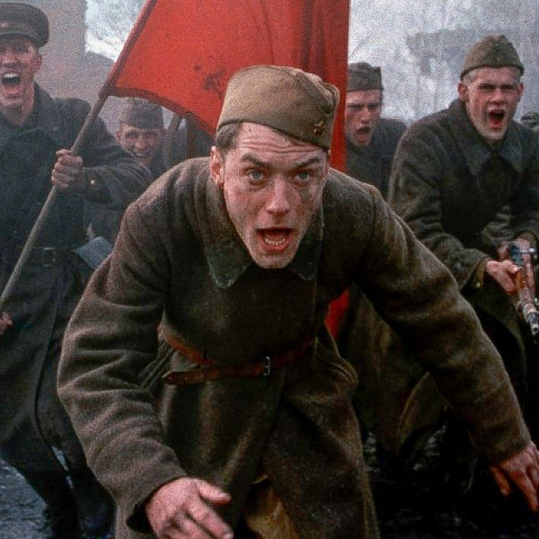 Enemy at the Gates Jude Law's Russian sniper plays a deadly game of cat and mouse with Ed Harris's German sniper in this World War II action drama set against the bloody Battle of Stalingrad in 1942.