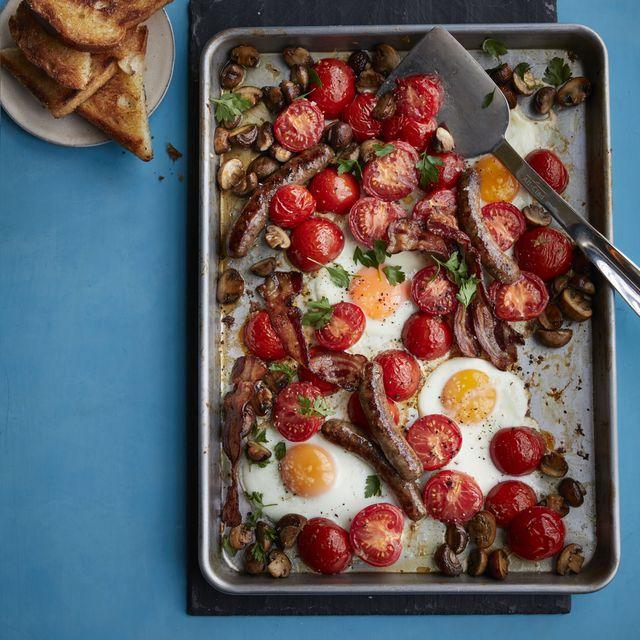 english breakfast tray bake