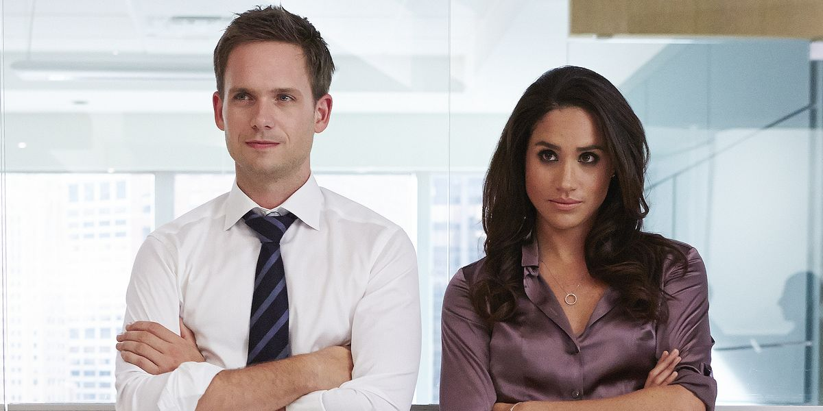 See Meghan Markle On The Set Of Suits In These Sweet Photos Shared