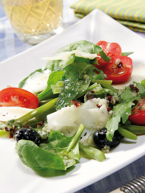 Dish, Food, Cuisine, Garden salad, Salad, Ingredient, Greek salad, Spinach salad, Vegetable, Produce,