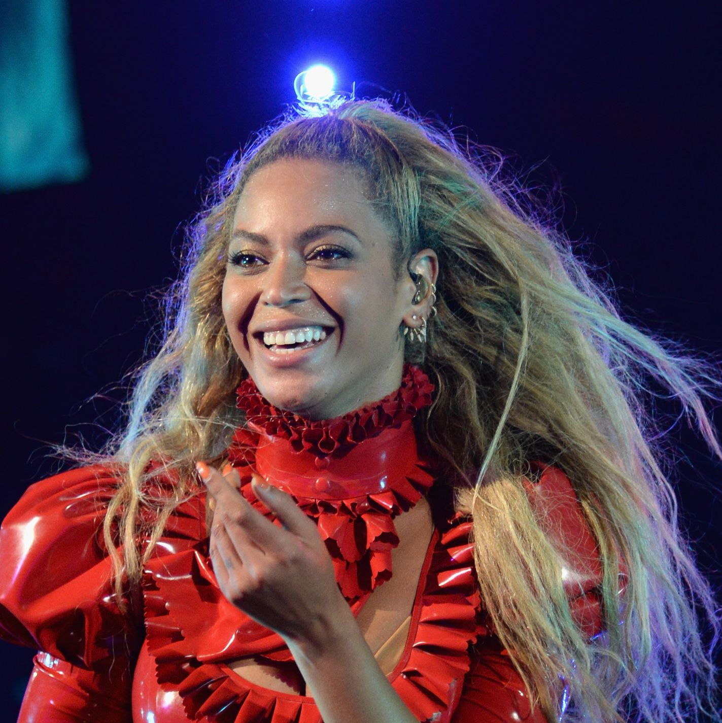 Beyoncé Stunned in a Hot Red Lace Minidress for Valentine's Day